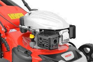 Động cơ và xử lý của máy cắt cỏ xăng